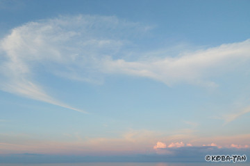 パステルカラーの空
